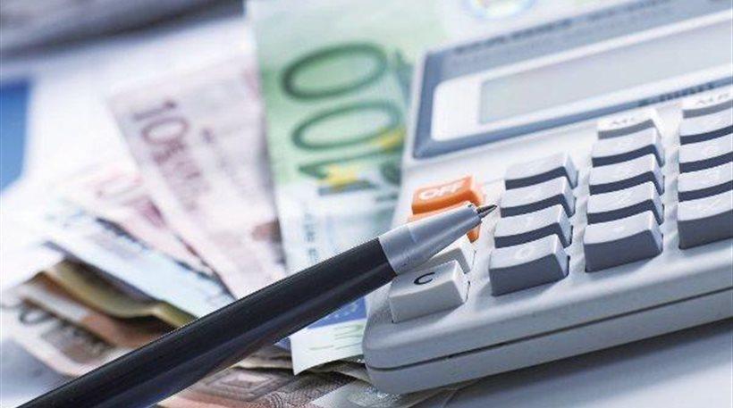 Εξετάζεται πληρωμή των φόρων σε έξι ή οκτώ μηνιαίες δόσεις