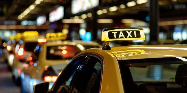 Κορωνοϊός: Διευκρινίσεις για τις μετακινήσεις με ταξί, ΚΤΕΛ και οχήματα ειδικής μίσθωσης