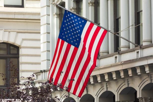 «Βουτιά» του καταναλωτικού κλίματος στις ΗΠΑ – Από τις μεγαλύτερες στην ιστορία