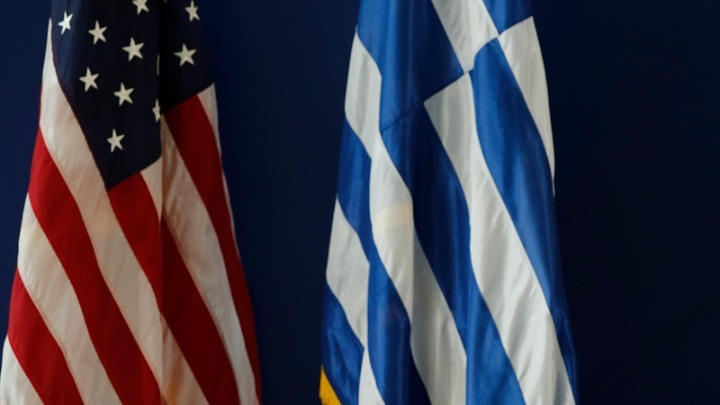 Στην Ελλάδα οι Αμερικανοί γερουσιαστές Κ. Μέρφι και Τζ. Όσοφ – Συνομιλίες με Κυρ. Μητσοτάκη και Ν. Δένδια