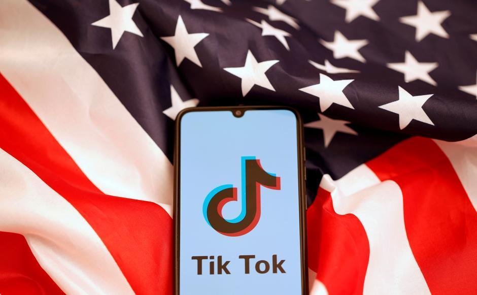 ΗΠΑ: Ο Τραμπ θα απαγορεύσει σε πολίτες να 'κατεβάζουν' τις εφαρμογές TikTok και WeChat από την Κυριακή